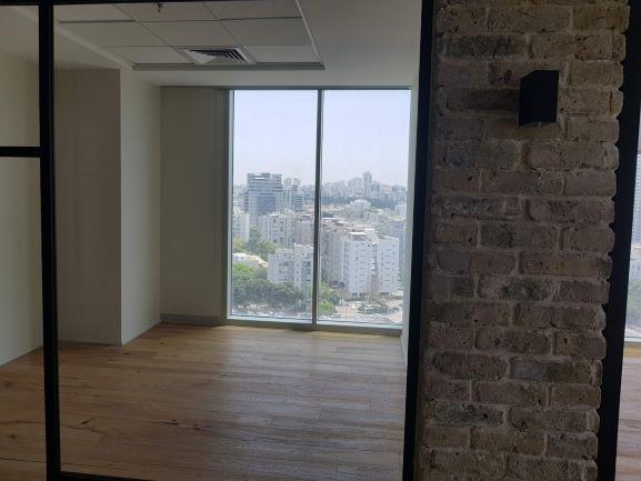 """במגדלי We החדשים בת""""א, 284 מ""""ר חדר עם נוף"""
