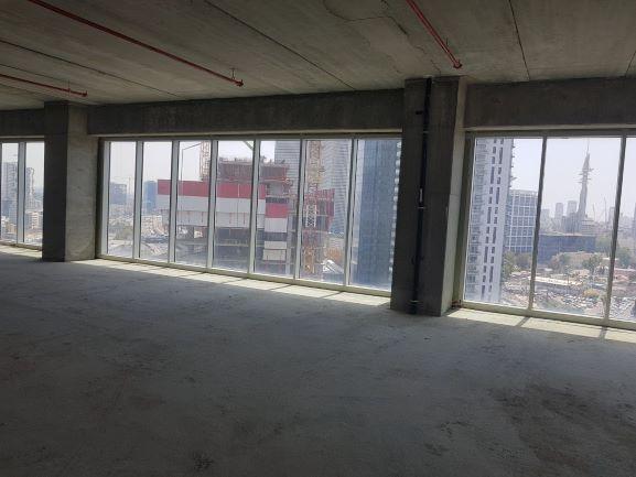 """למכירה 180-250-330 מ""""ר במגדל We החדש, מעטפת, חלל עם חלונות ענק"""