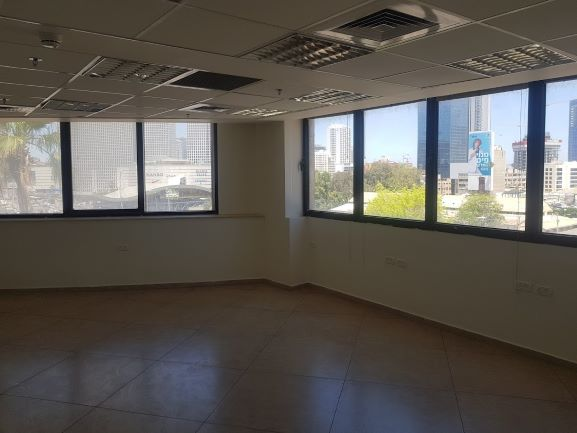 """ק' עצמאית על דרך השלום 450 מ""""ר כיתת לימוד עם חלונות"""