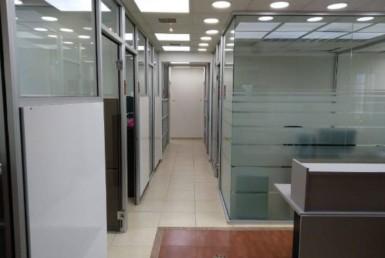 """360 מ""""ר משרד להשכרה מפואר באור יהודה מסדרון"""