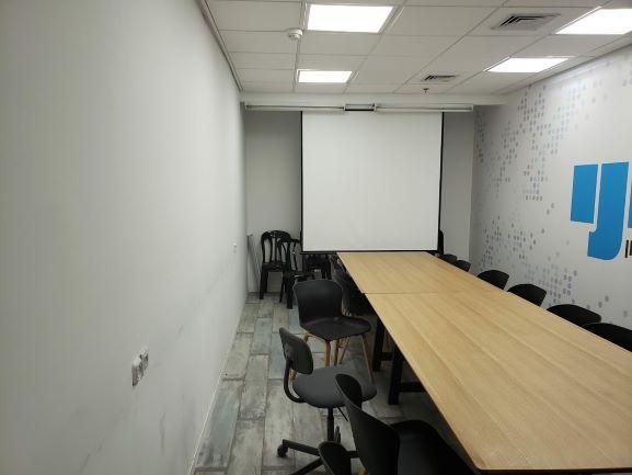 """352 מ""""ר משרד יפייפה ביגאל אלון חדר ישיבות"""
