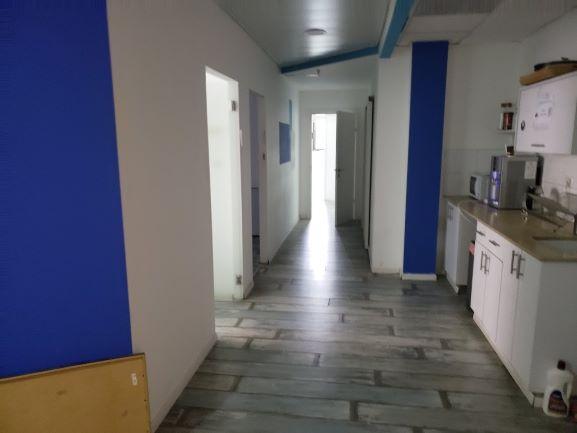 """352 מ""""ר משרד יפייפה ביגאל אלון מסדרון+מטבחון"""