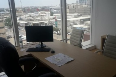 משרד קטן ויפייפה בבסר 3, חדר עבודה