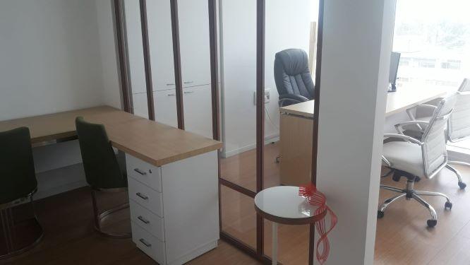 משרד קטן ויפייפה בבסר 3, 2 חדרים צמודים