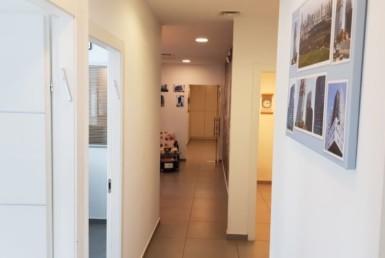 משרדים יפיפיים להשכרה בבניין בוטיק בבורסה, מסדרון