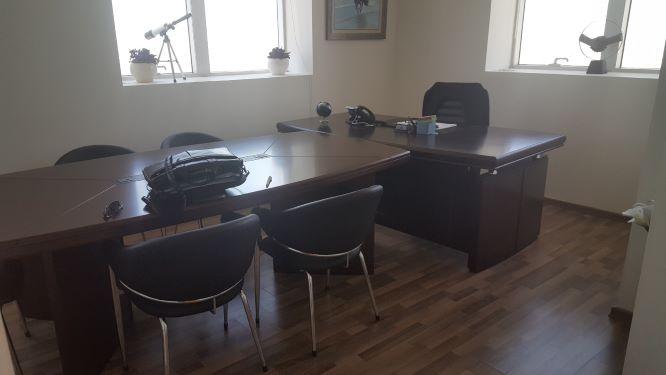 משרד להשכרה במשה אביב, חדרי ישיבות
