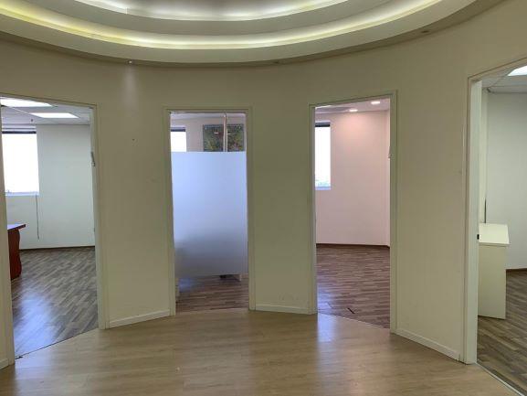 משרד להשכרה במשה אביב רחבת כניסה