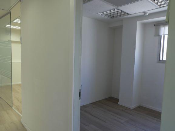 משרדים להשכרה מטופחים בברזל, עוד חדר עבודה
