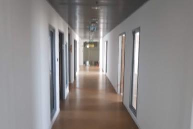 """1,060 מ""""ר משרד גדול בגימור מלא בקריית הממשלה, מסדרון"""