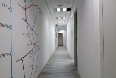 """משרד להשכרה ביגאל אלון 488 מ""""ר, מסדרון"""