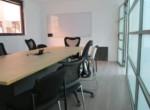 משרד יפייפה להשכרה על יגאל אלון, חדר ישיבות