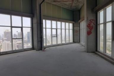 """140-290 מ""""ר במגדל We בת""""א, שפיץ עם חלונות גדולים"""