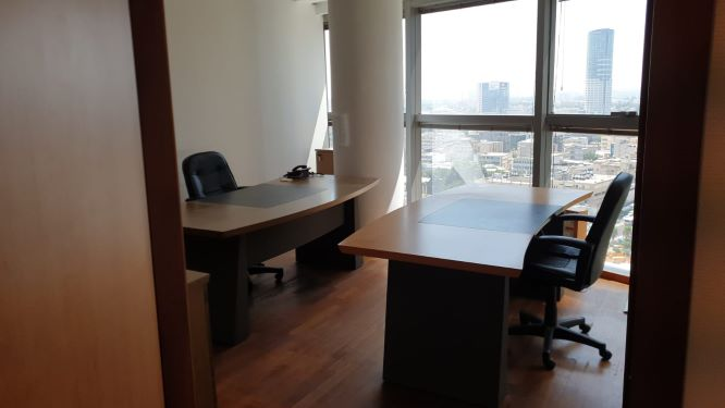 משרדים מפוארים להשכרה במגדל פלטינום, חדר לשניים