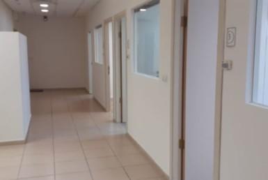 משרד להשכרה בקרית אריה, בניין בוטיק, מסדרון