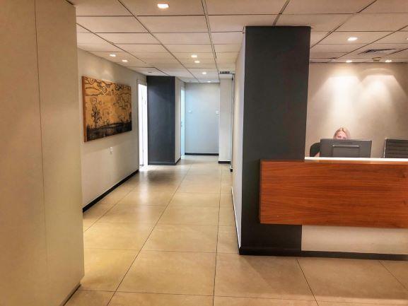 """380 מ""""ר משרדים יפייפיים להשכרה בחשמונאים,קבלה ומסדרון"""