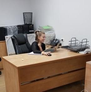 """חדר מרוהט להשכרה במשרד עו""""ד 4,000 ש""""ח כולל הכל"""