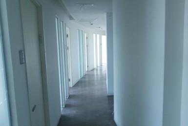 """משרד להשכרה במגדל סונול 607 מ""""ר, מסדרון"""