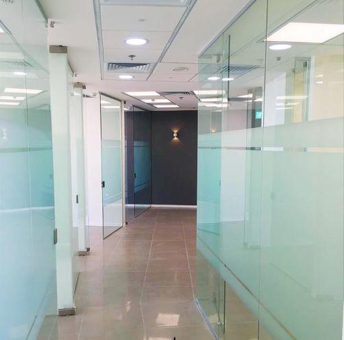 """משרד להשכרה ב- V Tower מ""""ר 175 מסדרון"""