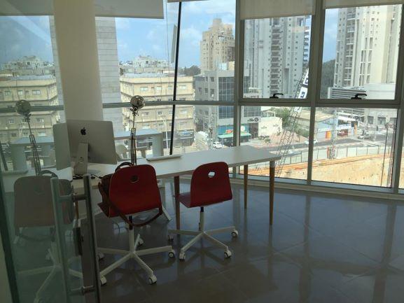 """משרד להשכרה ב- V Tower מ""""ר 175, כניסה"""