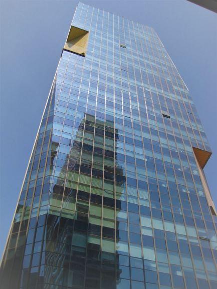 """משרד להשכרה ב- V Tower מ""""ר 175, המגדל"""