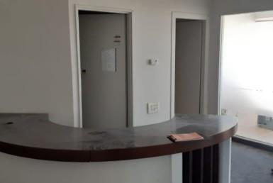 משרד להשכרה בבניין קטם הקרית מטלון, עמדת קבלה