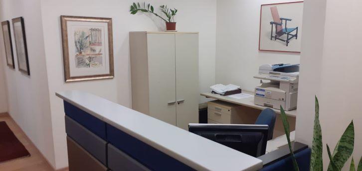 משרד מטופח להשכרה בלפיד, ק. מטלון, עמדת קבלה
