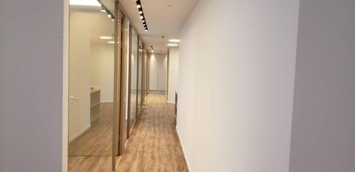 """176 מ""""ר משרד חדש להשכרה במגדל We, מסדרון"""