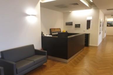 משרדים מטופחים בקומה גבוהה בבסר 2 קבלה והמתנה