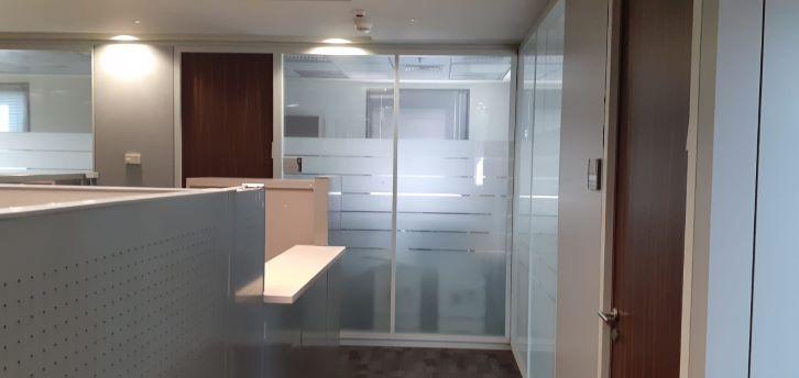 """450 מ""""ר משרד להשכרה בבסר 2, קירות זכוכית"""