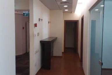 """105 מ""""ר משרדים מפוארים להשכרה בהרצליה, מסדרון"""