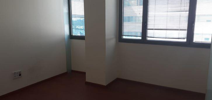 """105 מ""""ר משרדים מפוארים להשכרה בהרצליה, חדר עבודה"""