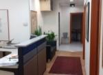 """100 מ""""ר משרד מטופח בבניין מודרני בק. מטלון, עמדת קבלה + מסדרון"""