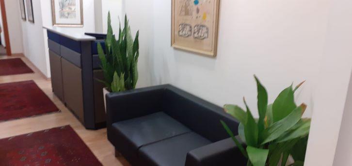 """100 מ""""ר משרד מטופח בבניין מודרני בק. מטלון, רחבת המתנה"""