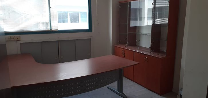 """240 מ""""ר משרדים להשכרה באודם, ק. מטלון, חדר עבודה"""