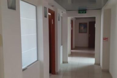 """240 מ""""ר משרדים להשכרה באודם, ק. מטלון, מסדרון"""