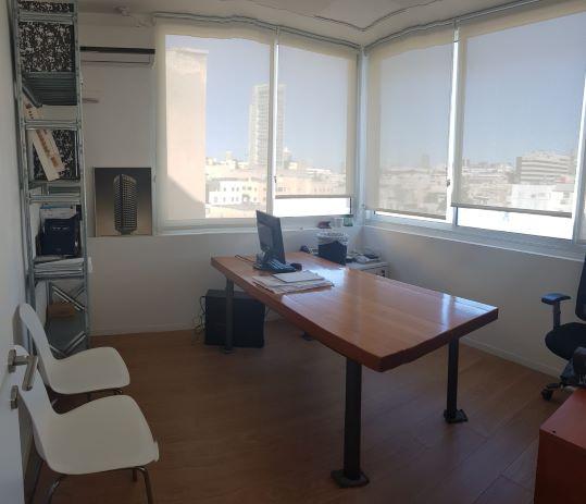 """125 מ""""ר משרדי היי טק ליד מגדל שלום, חדר עבודה"""