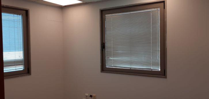 """141 מ""""ר משרד נדיר להשכרה ברמת החייל, חלונות"""
