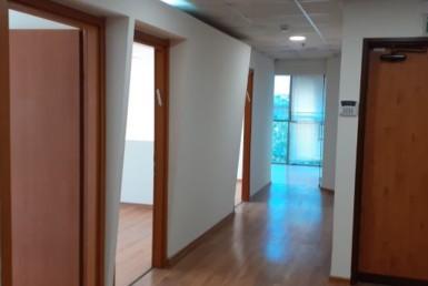 """285 מ""""ר משרדי להשכרה בולנברג, מסדרון"""