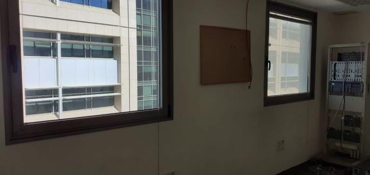 """400 מ""""ר מופתיים להשכרה בולנברג, חלונות"""
