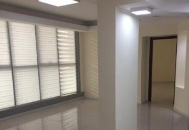"""170 מ""""ר משרדים להשכרה בבגין ת""""א, מסדרון"""