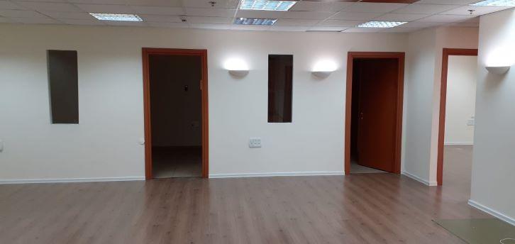 """145 מ""""ר משרד להשכרה מטופח בק. אריה, 2 חדרים"""