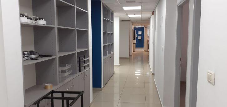 """330 מ""""ר משרדים להשכרה בקרית אריה, מסדרון"""