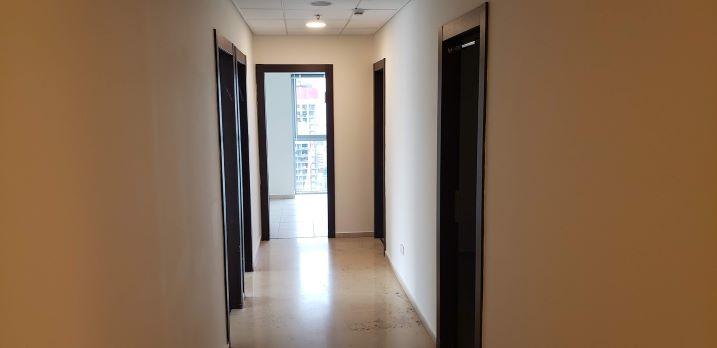 """522 מ""""ר משרד בק' גבוהה ברוגובין-תדהר, מסדרון"""