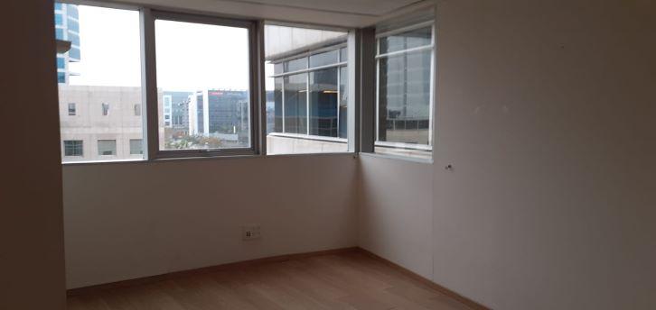 """360 מ""""ר להשכרה בבניין בוטיק בסדנאות,חדר עבודה"""