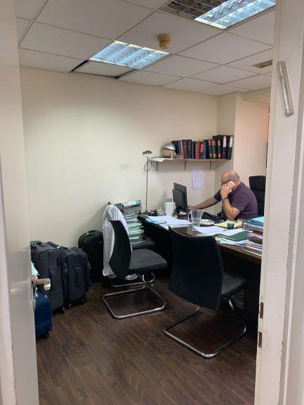 """110 מ""""ר משרדי עו""""ד באמות ביטוח, חדר עבודה"""