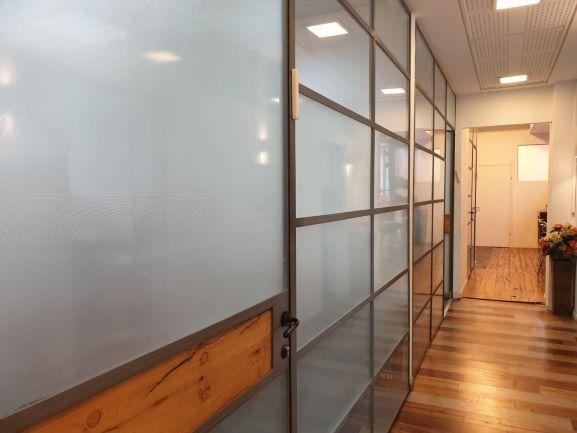 """500 מ""""ר משרדים מטופחים במגדל קרדן, קירות זכוכית"""