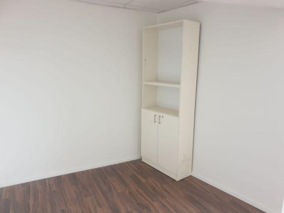 """115 מ""""ר משרד להשכרה מתוחזקים למופת, חדר עבודה"""