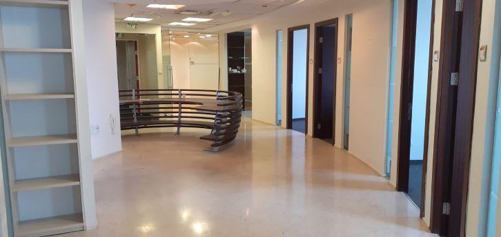 משרד יפייפה במשה אביב ק' גבוהה,מסדרון