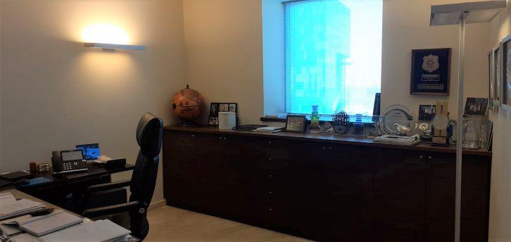 משרד בגימור פרימיום, ק' גבוהה, משה אביב, חדר עבודה