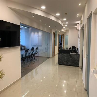 """350 מ""""ר משרדים מדהימים בק' גבוהה במגדל על, מסדרון"""